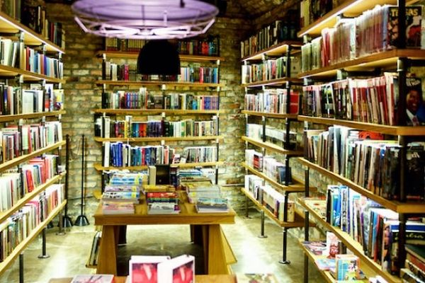 Minoa Books & Coffee